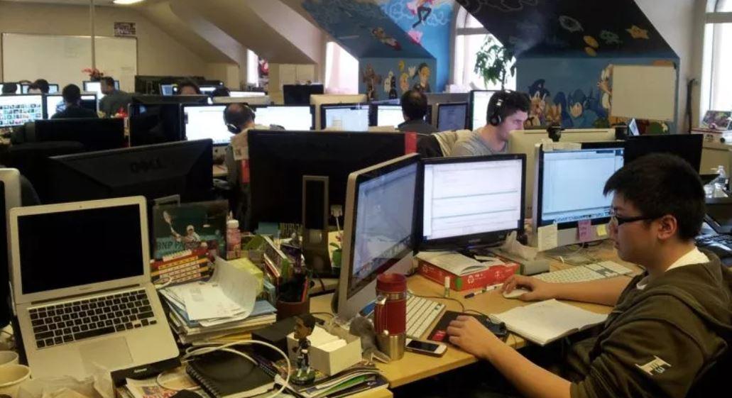 Reconversion : Métiers qui recrutent dans l'informatique : le top 10 !